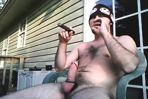 another daddy video Of Me Stroking Outside When I Lived In Alabama. Just Enjoying A nice Cigar And Being A man!