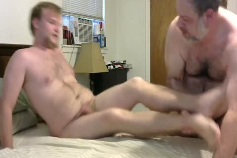 In A Last Minute Invite, WngXStpXCub Comes Over And We Enjoying blowing Each Other, rimming His ass, giving a kiss Etc.  In This clip Is The First Time The Cub Has Taken A penis Up His ass And this guy Handles It Like A Pornstar.  After I cum plowing