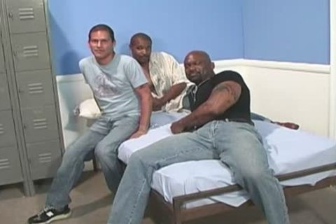 non-professional White dude acquires team-drilled By black men