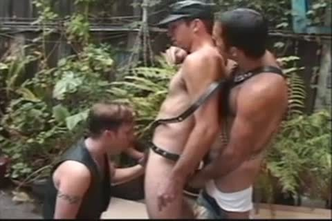 Latex Wearing men In 3some