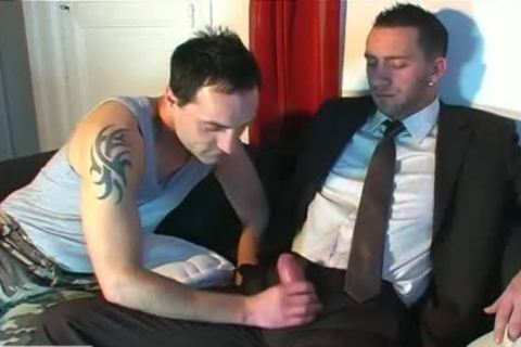 Full clip: A blameless Vendor guy Serviced His large cock By A guy!