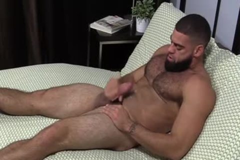 muscular Ricky Larkin stroking Off whilst Toes Are Sucked