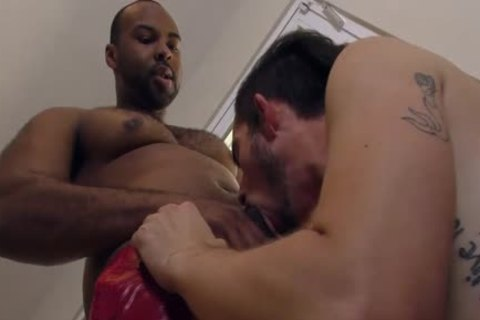 slim White lad Makes Love With A big Cocked dark man