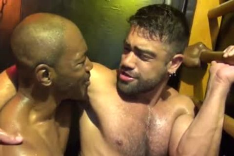 Intense Sweaty Interracial bare Fucksex