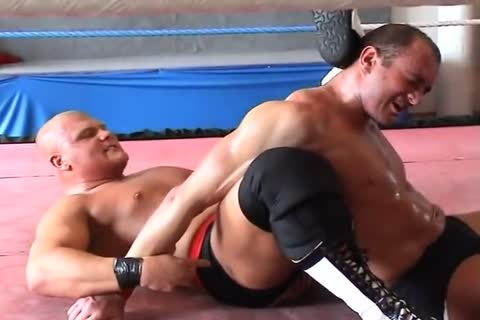 tight Muscle Wrestling