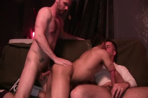 Armond Rizzo In Threeway gay pounding