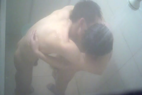 SPYCAM-SHOWERSEX-2CUTEBOYS