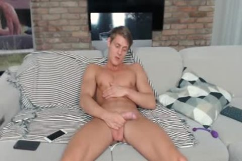 Flirt4Free Mode Eluan Jeunet - ideal Ripped Model Stroking His throbbing penis