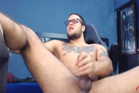 JockMenLive - Dirian C - Ripped Hunk Jerks Off His large 10-Pounder In Gaming Chair