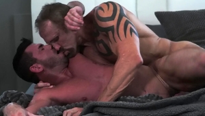 Icon Male: Muscled Dallas Steele fucked anal video